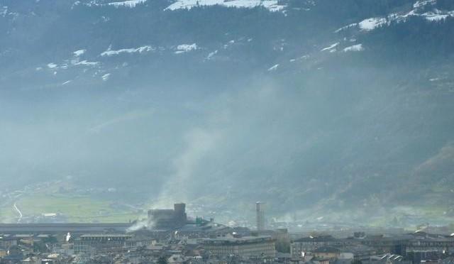 Mal'Aria – Edizione speciale  Aosta guadagna la sufficienza sugli inquinanti legati al traffico e al riscaldamento degli edifici Ma l'acciaieria è la grande assente delle campagne elettorali